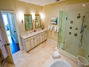 Master Bath at The Aberdeen in Vinings