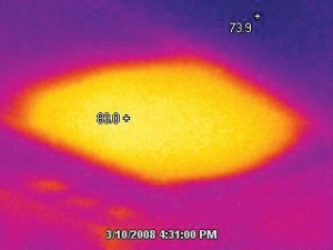 Infrared image of the photo of insulation showing the differences in temperature